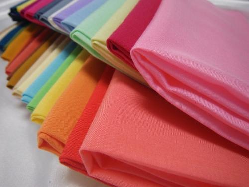 カラーが豊富でコーディネートしやすい色分けがうれしい。